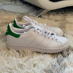Women's green and white adidas Stan Smith sneakers